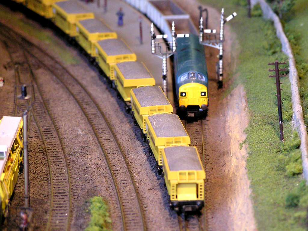 OO/HO Gauge Model Railway Steam Engine Diesel or Electric Train layout photographs