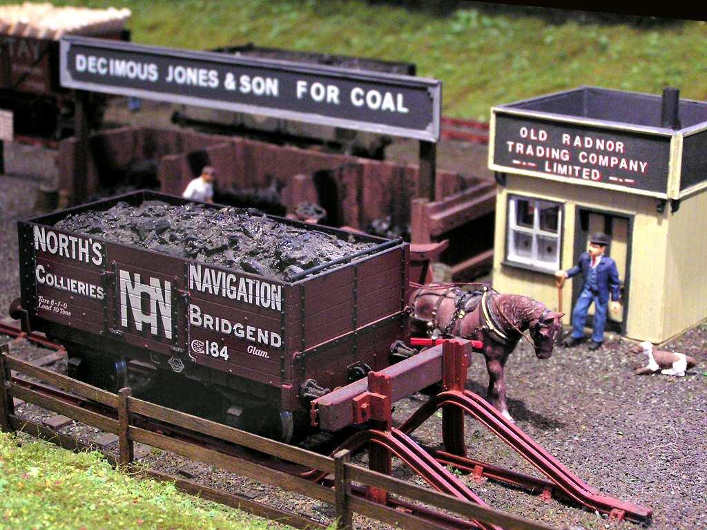 British Model Train & Railway layouts photographs in OO/HO